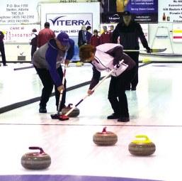 89380stettler160405-STI-Curling-2 2016